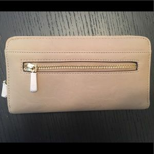 Handbags - Tan wallet